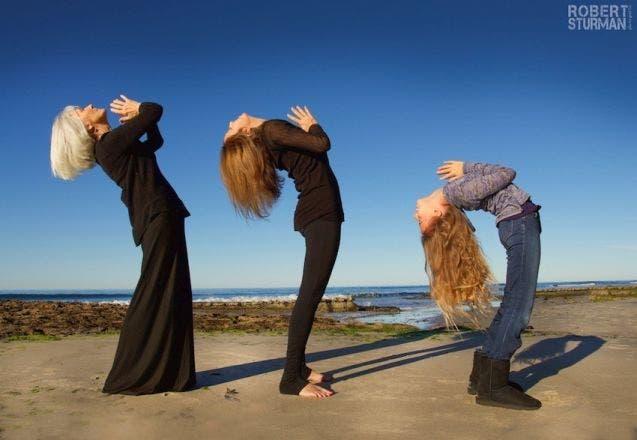 17-photos-de-meres-qui-pratiquent-le-yoga-avec-leurs-enfants10