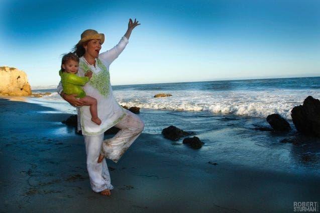 17-photos-de-meres-qui-pratiquent-le-yoga-avec-leurs-enfants12