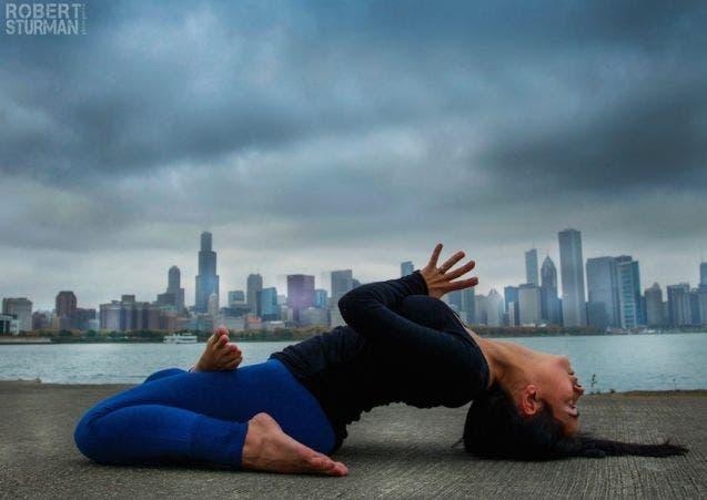18-photos-incroyables-de-yoga-dans-la-ville-11