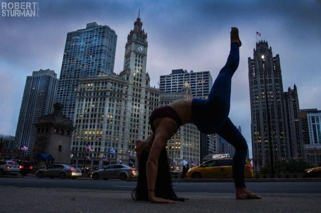 18-photos-incroyables-de-yoga-dans-la-ville-12