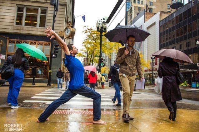 18-photos-incroyables-de-yoga-dans-la-ville-17