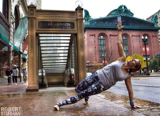 18-photos-incroyables-de-yoga-dans-la-ville-5