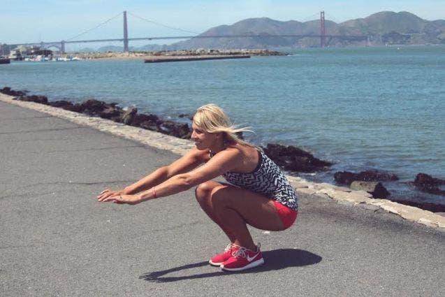 5-exercices-de-squat-pour-avoir-de-belles-jambes4