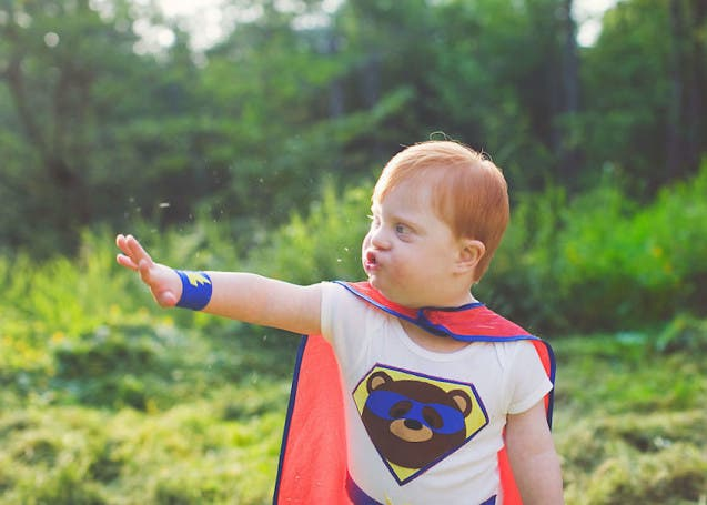 des-photos-inspirantes-denfants-a-besoins-particuliers-deguises-en-superheros-1